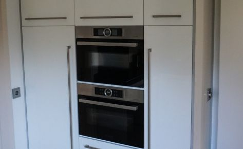 Hoogglans witte keukenkast